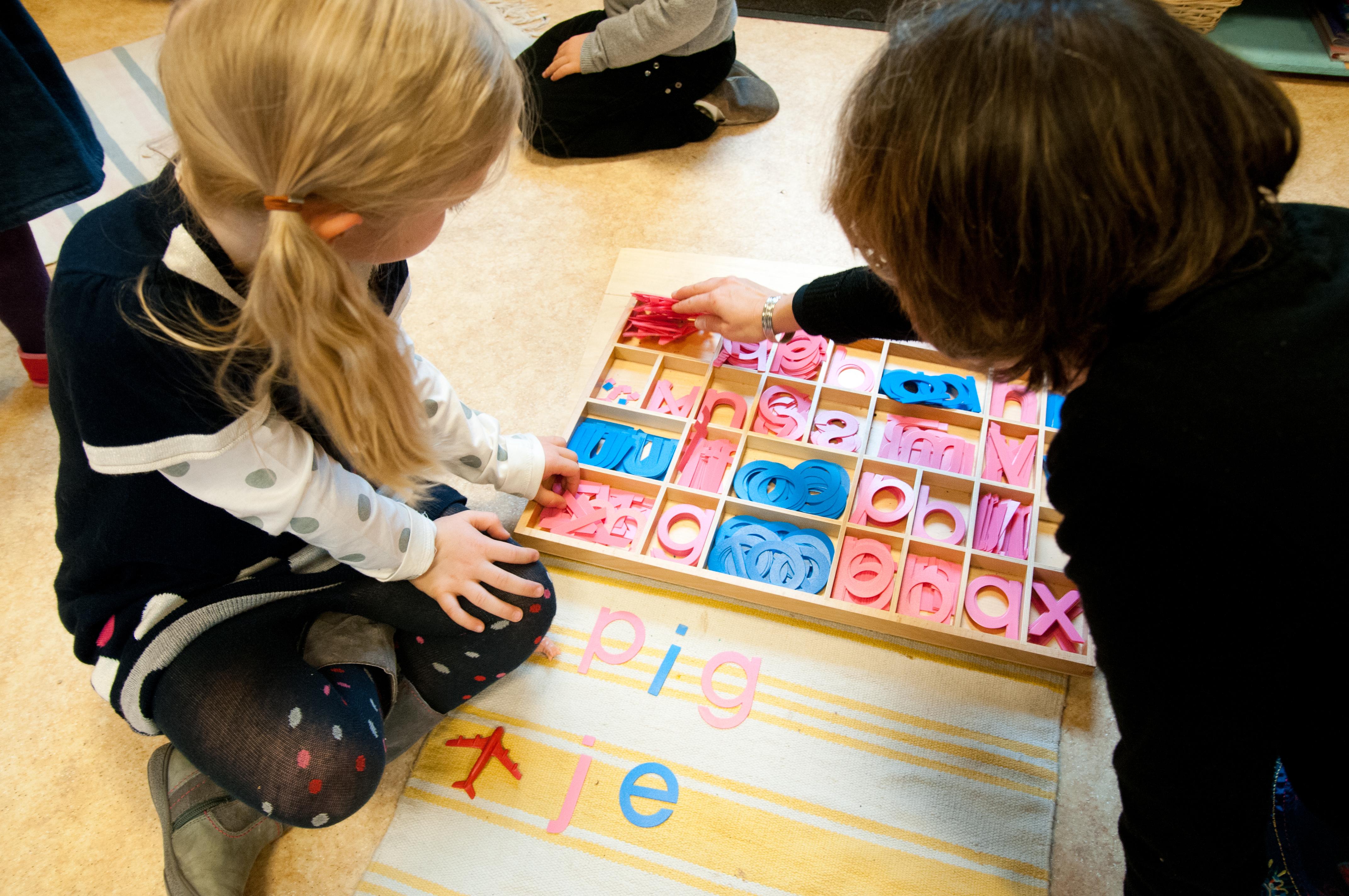 les lettres à la maternelle montessori vernouillet